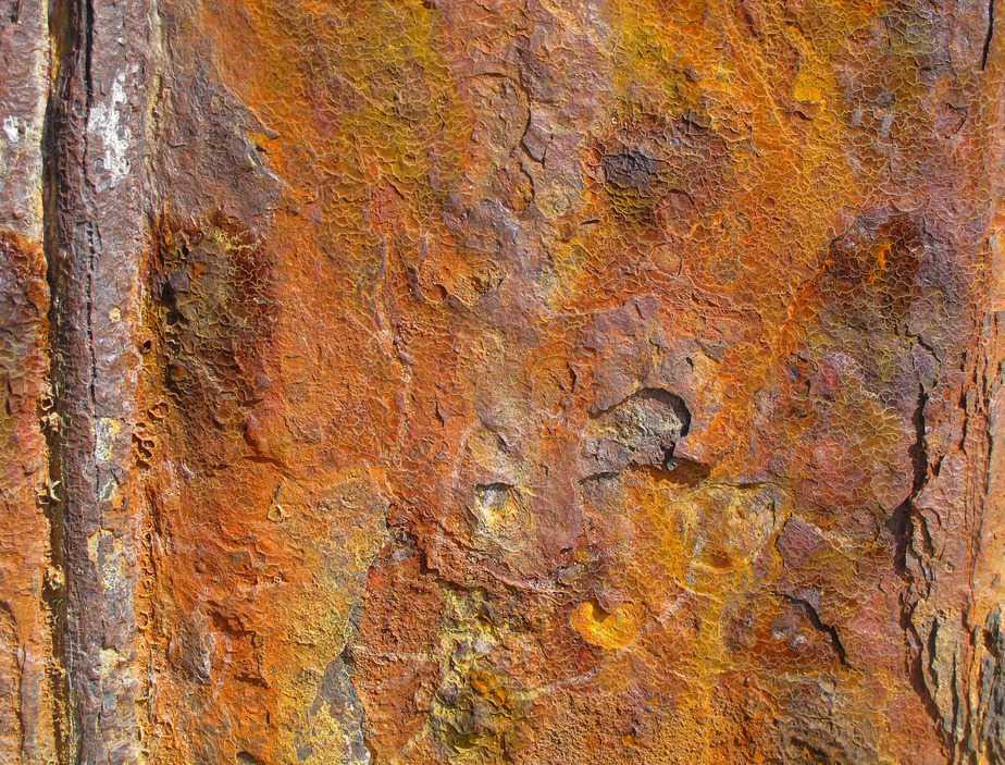 Stainless steel orange red corrosion peeling