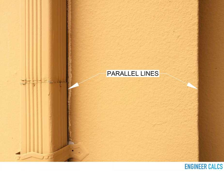 Exterior wall no cracks lines in parallel
