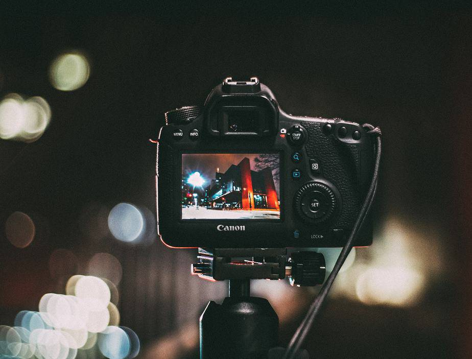 Photography at night using flash