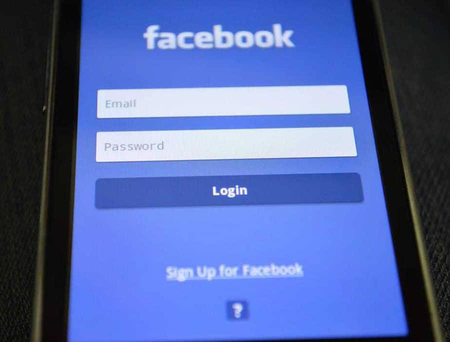 facebook on smart phone
