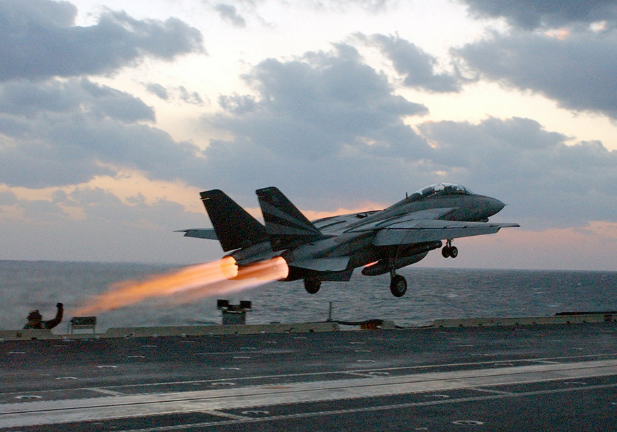 f-14 tomcat carrier launch