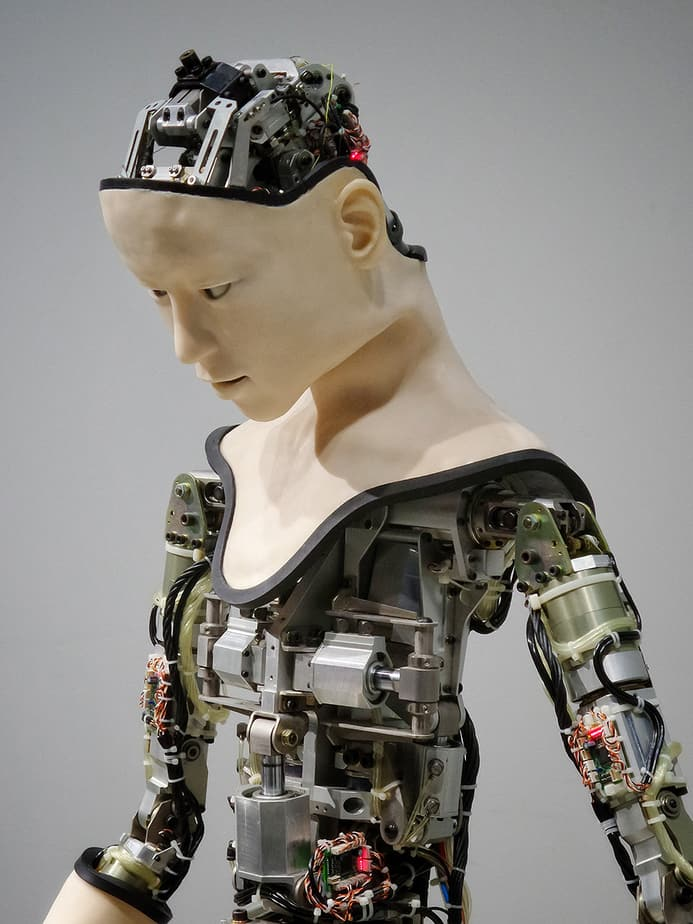 robot-with-artificial-intelligence