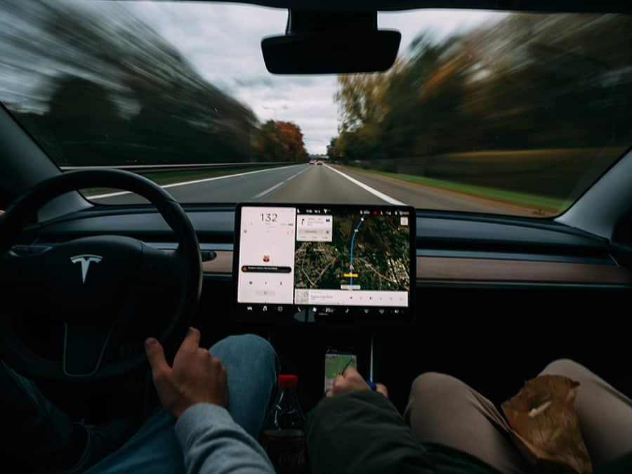 tesla autonomous driving technology