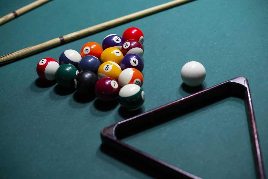 pool and billiards balls