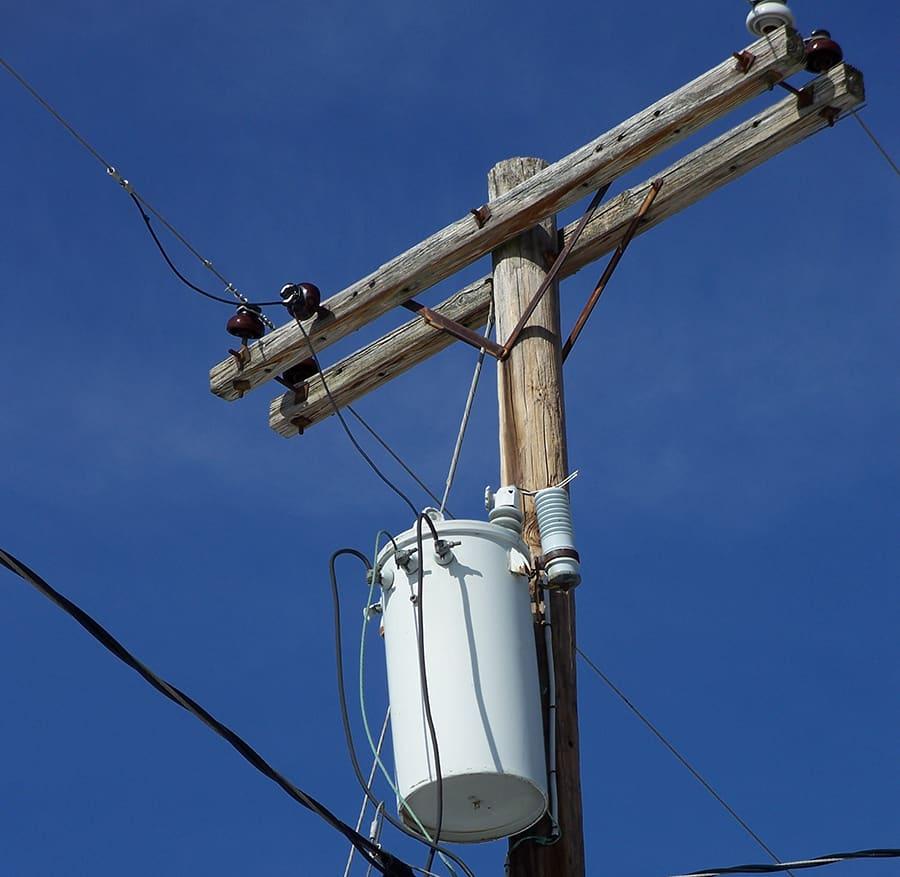 pole mounted power transformer